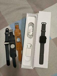 Apple Watch Series 2 42mm Aluminiumgehäuse Space Grau mit 3 weiteren Armbändern