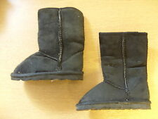 Girls Boots black faux suede, size UK 6 Infant, faux fur lining, pull-on 3367