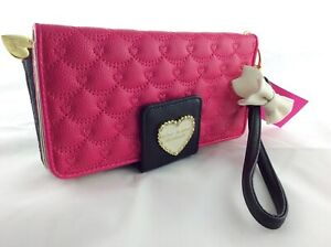 Betsey Johnson Wallet Bow Wristlet Heart Logo Quilted ❤️ Multi Compt Fushia Blk