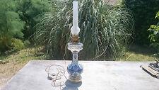 GRANDE LAMPE A PETROLE ANCIENNE EN FAÏENCE ET CRISTAL, FIN DU XIXème SIECLE