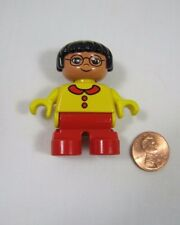 LEGO DUPLO ASIAN TODDLER GIRL DAUGHTER Yellow Shirt Red Pants FIGURE w/ Glasses