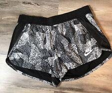 Nike Damen Shorts XL Schwarz/Weiß