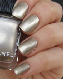 532 CANOTIER CHANEL Pale Gold Longwear Rare Discontinued Nail Varnish New in Box