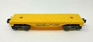 LIONEL 9020 O SCALE UNION PACIFIC FLAT CAR FAIR CONDITION
