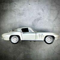 1965 Chevrolet Corvette - 1:18 Scale Special Edition Diecast Model Car