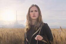 Britt Robertson [Tomorrowland] (58511) 8x10 Photo
