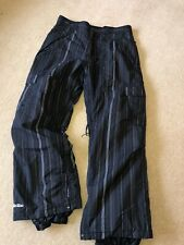 MENS SECTION SKI SNOWBOARD TROUSERS, BLACK PIN STRIPED , SIZE L, GOOD CONDITION