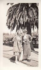 Antique Photo - Oregon Women in front of Palm Tree, Period Clothes - Early 1900s