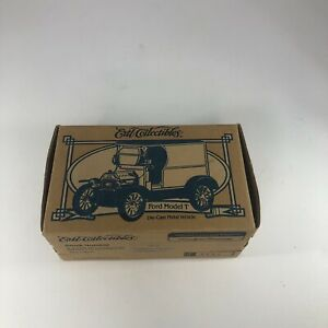 Ertl Collectibles 1912 Ford Model T Diamond Walnut Growers 19015 Delivery Van