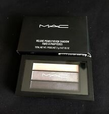 MAC Veluxe Pearlfusion Shadow Smoky Black Friday. NEW