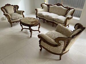 Elegant Italian Baroque hand carved Antique 4-piece Lounge Suite Used.