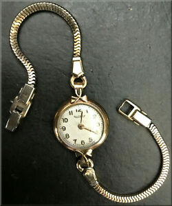 A Vintage Rotary 9k Gold, 15 Jewel, Ladies Swiss Watch for Spares or Repair.