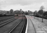 PHOTO  ST.ALBANS (ABBEY) RAILWAY STATION VIEW AND YARD IN 1957 1