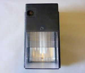 Dusk to Dawn Wall Mount Light Enertron Photocell      Made in The USA!!