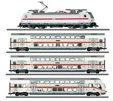 Marklin IC Fast Train TRAXX 3 Cl 147.5  MFX/Sound  Cars with Interior Lighting