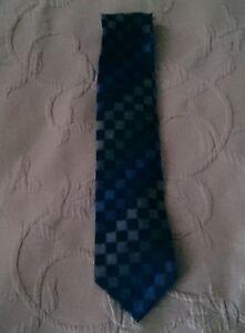 "Kenneth Cole Reaction 100% Seide Krawatte 3.5 "" W 59 "" L Blau Quadrate"