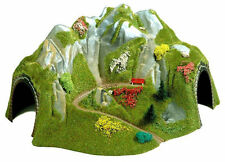 Busch 3026 NEW HO/OO CORNER TUNNEL WITH MOUNTAIN PATH