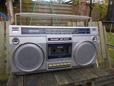 Sharp GF-4747 Ghetto Blaster-Boom Box-MW FM LW SW-Cassette Radio portátil