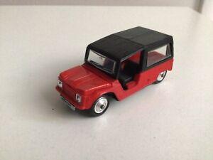 Norev Citroën méhari rouge numéro 137 très bon état sauf volant absent