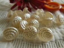 lote de 10 botones antiguos en cristal crema satinado pie conchas 1 cm Ref 534