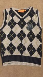 V- neck sleeveless Jumper with argyle pattern