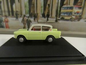 OXFORD RAILWAY SCALE FORD ANGLIA - PALE GREEN/GREY ROOF SCALE 1:76
