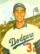 LA DODGERS CLASSIC #32 SANDY KOUFAX WITH BIG SMILE FOR THE FANS