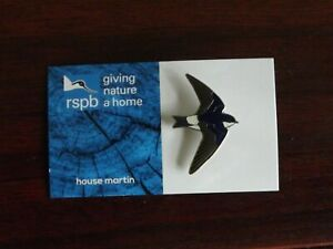 RSPB GNaH  house martin metal Pin Badge on Blue  FR card
