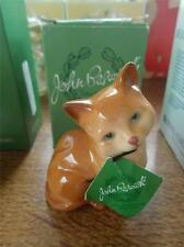 Boxed JOHN BESWICK Sitting White Rust Brown Cat Kitten Signed MINT in Box Label