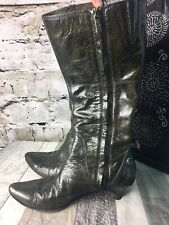 ISABELLA FIORE 7.5 Olive Green Patent Leather PEACE OUT MURIEL BOOTS