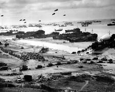 LANDING SUPPLIES AT BATTLE OF NORMANDY 8X10 PHOTO WWII