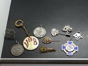 10 alte Sport Objekte Nadel Orden Medaille Abzeichen Schlüsselanhänger 1943 1962