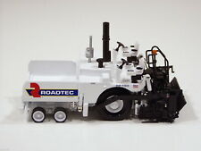 Norscot 1/50 Roadtec RP190 Road Paver Diecast Model Collection 584374