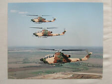 PHOTO PRESSE BELL COBRA US ARMY ATTACK HELICOPTER