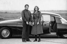 Photo originale Robert Hossein Nicole Courcel automobile Citroën DS