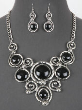 Silver and Black FASHION Necklace Set