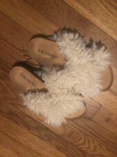 liliana shoes Size 6 Faux fur