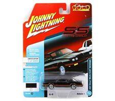 Johnny Lightning 1:64 Classic Gold 2018 1 A 1987 Chevrolet Monte Carlo Aerocoupe
