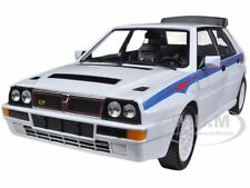 LANCIA DELTA INTEGRALE HF WHITE WITH MARTINI STRIPES 1/24 BY BBURAGO 28006