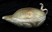 Lampe à huile au cobra en bronze ciselé d'Afrique de nord