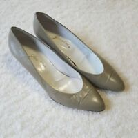 Garolini Kitten Heels Olive With Gold Accent Bottoms Leather Italy Sz 9M.