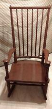Schaukelstuhl aus Holz