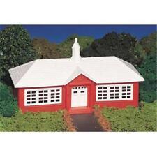 Bachmann Plasticville 45133 School House 'HO' Gauge Plastic Kit Tracked48 Post