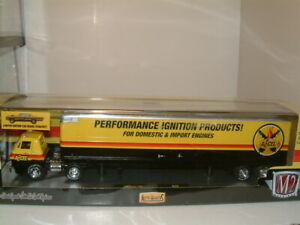 1/64 1969 DODGE L600 TRUCK & TRAILER INC 69 PLYMOUTH ROAD RUNNER, `ACCEL` M2