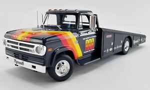 1:18 1970 Dodge D-300 Ramp Truck -- Dan Gurney AAR Trans Am Team -- ACME