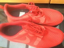 Mens Nike Roshe One Hyperfuse  Trainers Size UK 9 in Red