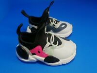 NWOB Nike Huarache E.d.g.e Kids INFANTS AQ2433-002 Size 5C Platinum White Black
