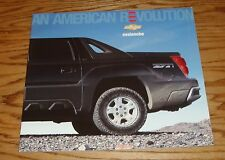 Original 2005 Chevrolet Avalanche Deluxe Sales Brochure 05 Chevy