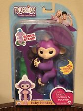 Fingerlings MIA PURPLE Baby Monkey EXCLUSIVE Bonus Stand AUTHENTIC RETAIL