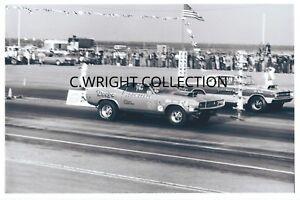 "1970s Drag Racing-DICK LANDY's 1970 PRO HEMI Challenger vs ""RED LIGHT BANDIT"""
